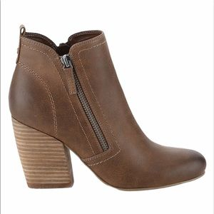 Brown Size 8.5 Heeled Ankle Boots